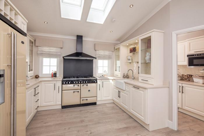 Kitchen with range 2 park home organford Dorset